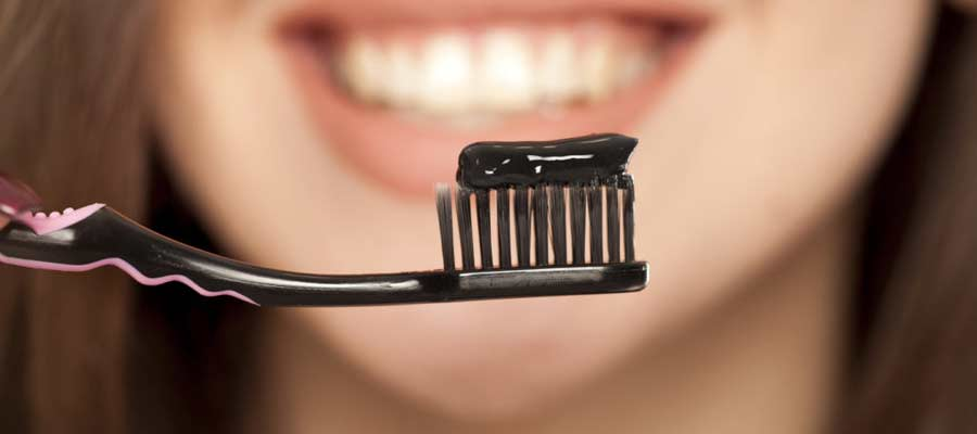 How to Properly Use Charcoal Toothpaste